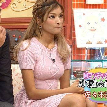 エロ画像 ローラ お宝  おっぱい.jpg